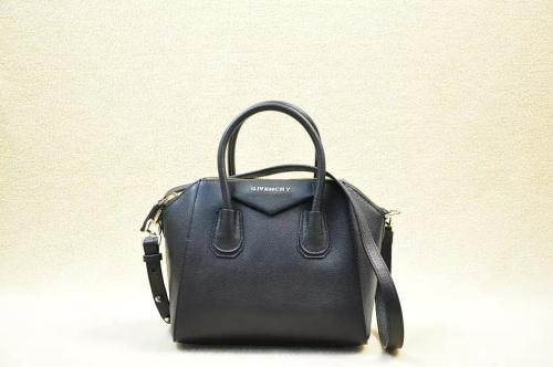 2014 Givenchy 1900 black