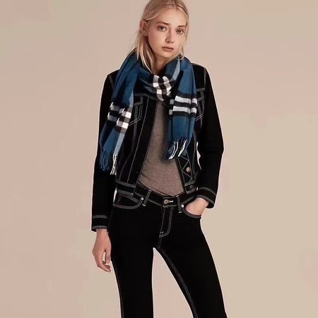 2017 top quality Burberry scarf 3096 blue