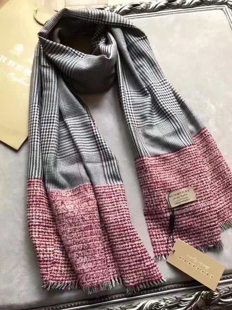 2017 top quality Burberry scarf BUR9232