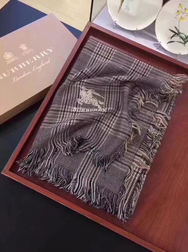 2017 top quality Burberry scarf BUR9233