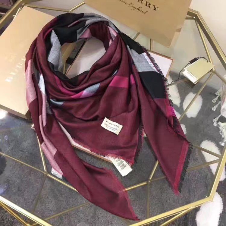 2017 top quality Burberry scarf BUR919368