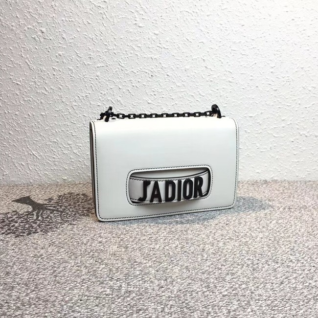 JADIOR FLAP BAG IN OFF-WHITE CALFSKIN M9000