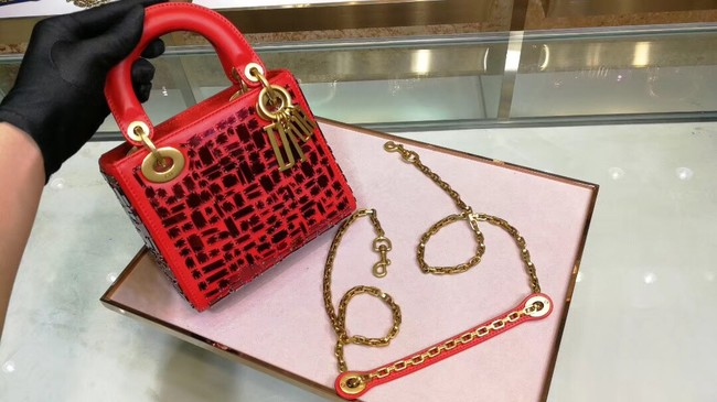 MINI LADY DIOR BAG WITH CHAIN IN RED SMOOTH CALFSKIN EMBROIDERED WITH A MOSAIC OF MIRRORS M0598