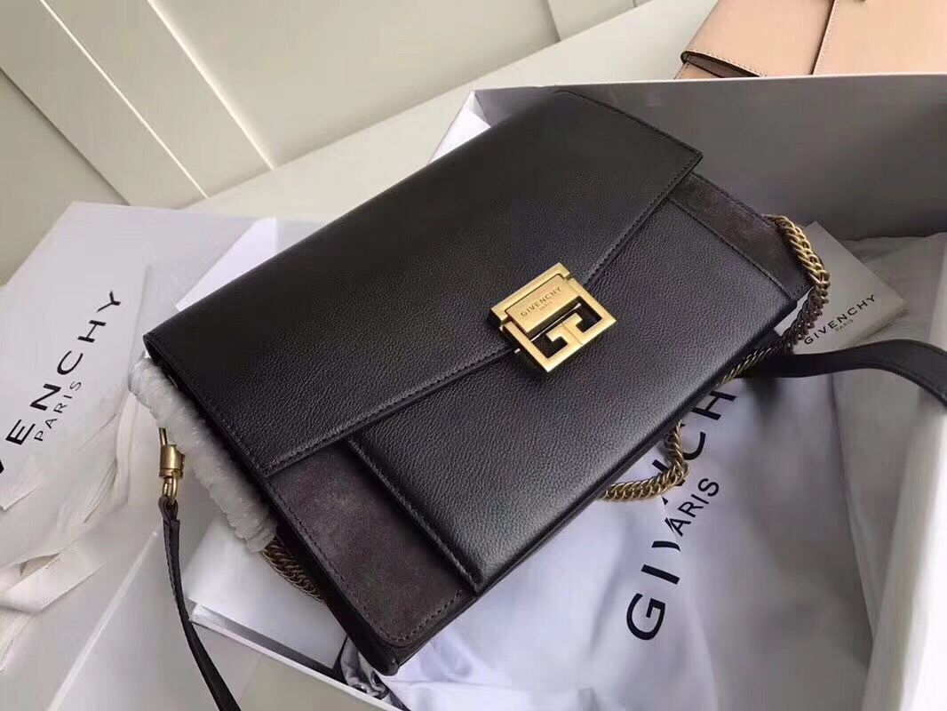 GIVENCHY GV3 medium leather shoulder bag 9741 black