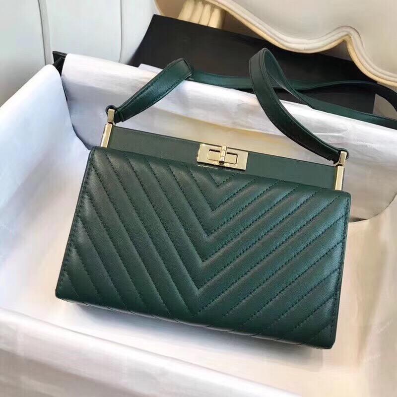 Chanel clutch Lambskin & Gold-Tone Metal A57388 green