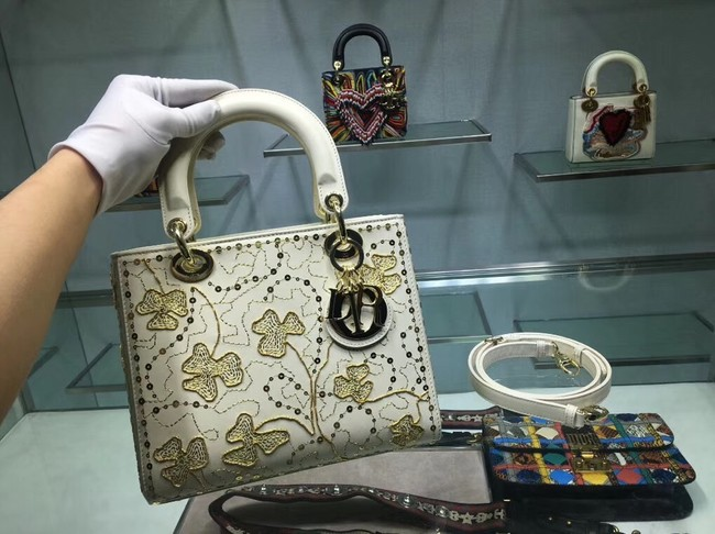 LADY DIOR BAG IN EMBROIDERED CALFSKIN M0550 WHITE