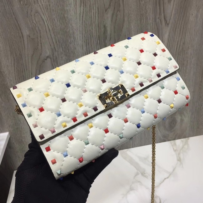VALENTINO Rockstud Spike quilted clutch 72610 white