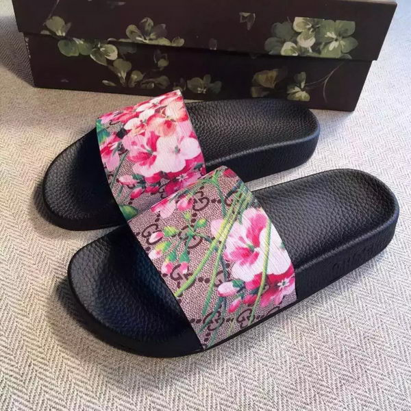 Gucci Slippers Leather GG759 Bloom