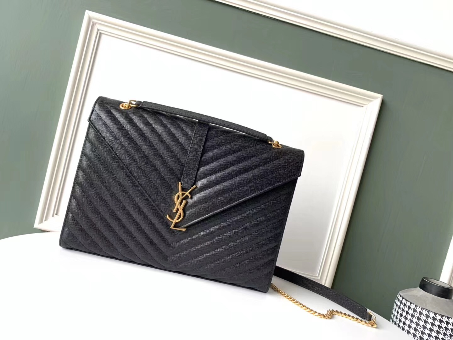 SAINT LAURENT leather shoulder bag 392745 black&gold-toned hardware